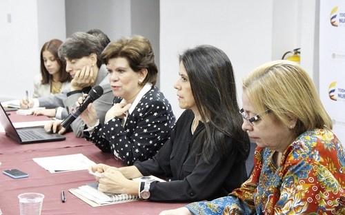 Aumenta participación de la mujer en cargos directivos de la administración pública